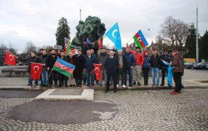 تجمع تورکان مقیم سوئیس در مقابل سفارت ایران