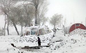 کودکان ورزقان در سرمای بیست درجه زیر صفر
