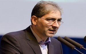 استاندار آزربایجان شرقی: زبان آذری همچون دریاچه اورمیه در حال از بین رفتن است!