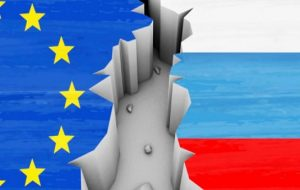درخواست اتحادیه اروپا برای تحریم بیشتر روسیه در آستانه سفر پوتین به کریمه