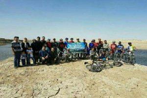 دوچرخه سواران میاندوآبی حاشیه دریاچه اورمیه را رکاب زدند