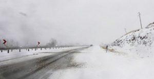 ۱۴۵۵ روستا در محاصره برف و کولاک در آزربایجان شرقی