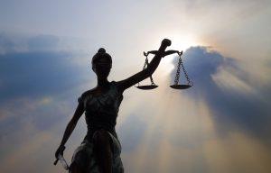 مبارزه برای تحقق عدالت و حقوق انسانی
