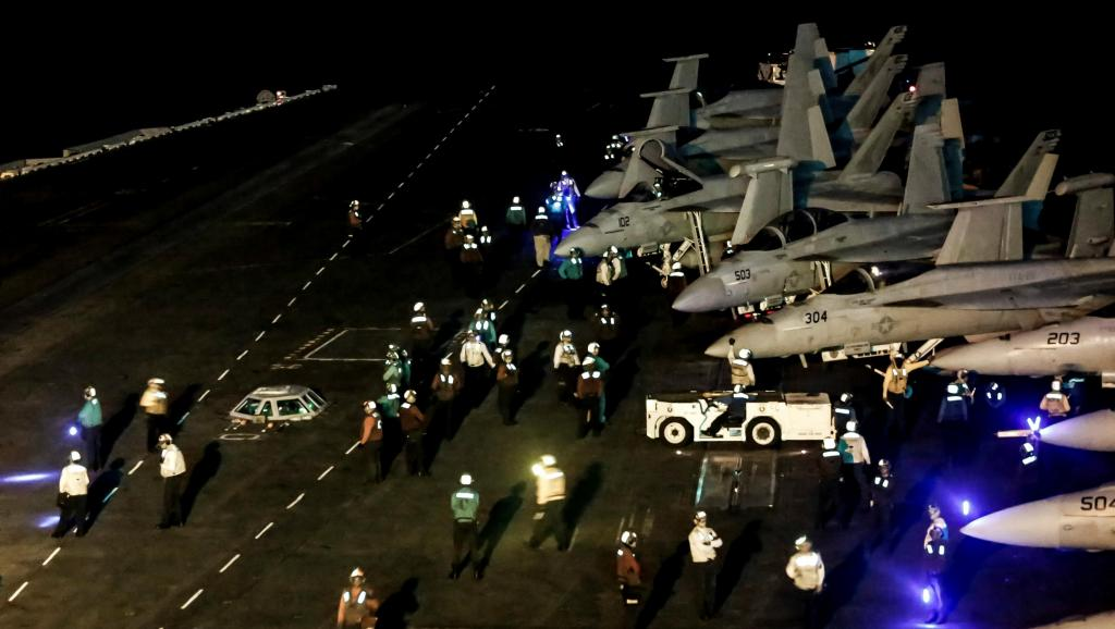 آمریکا، بریتانیا و اسرائیل آماده جنگ با ایران میشوند؟