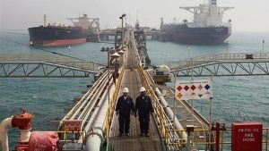 سقوط قیمت نفت سنگین ایران به زیر ۱۵ دلار
