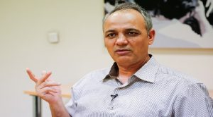 زیدآبادی: مقامهای ایران از کوچکترین انتقادی به چین نگران میشوند