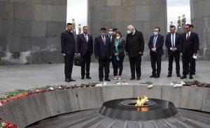 دیدار وزیر دفاع عراق از بنای یادبود به اصطلاح «نسل کشی ارامنه»!