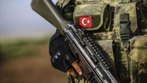 تسلیم شدن پنج تروریست پ.ک.ک به نیروهای امنیتی ترکیه