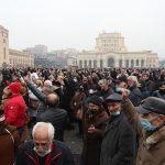 ارمنستان: معترضین ساختمان دولت را محاصره کردند