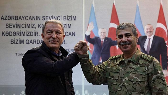 وزیر دفاع آزربایجان با وزیر دفاع، فرماندهان نیروی مسلح و نیروهای ترکیه در باکو دیدار کرد