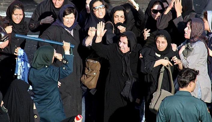 روز جهانی زن پدیده ای اجتماعی و سیاسی