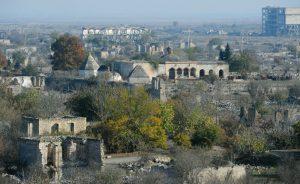 """""""بیش از ۴۰۰ اثر تاریخی در مناطق آزاد شده قرهباغ تخریب شدهاند"""""""