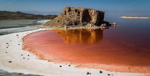 وسعت دریاچه اورمیه نسبت به سال گذشته ۸۸ کیلومتر مربع کاهش یافت