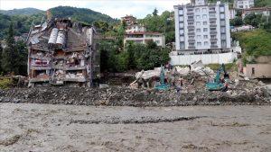 تلفات فاجعه سیل در دریای سیاه به ۵۷ نفر رسید