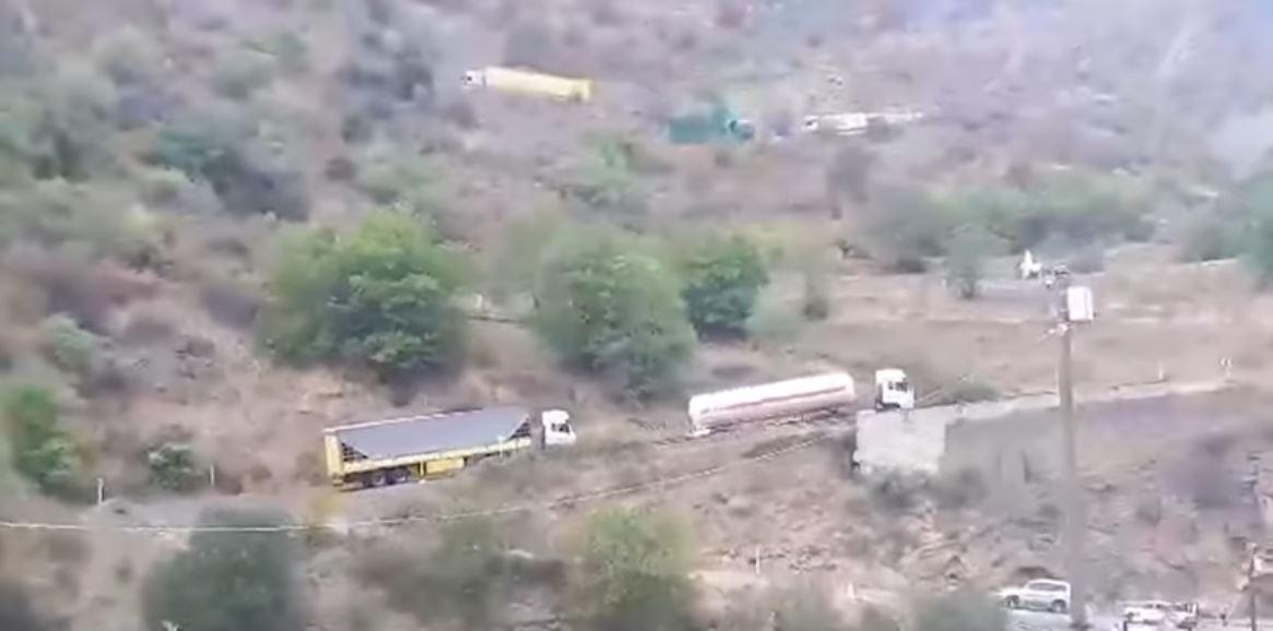 کامیونهای ایرانی حامل کالاهای مشکوک به ارمنستان از جاده جایگزین تاتئو-قافان میگذرند