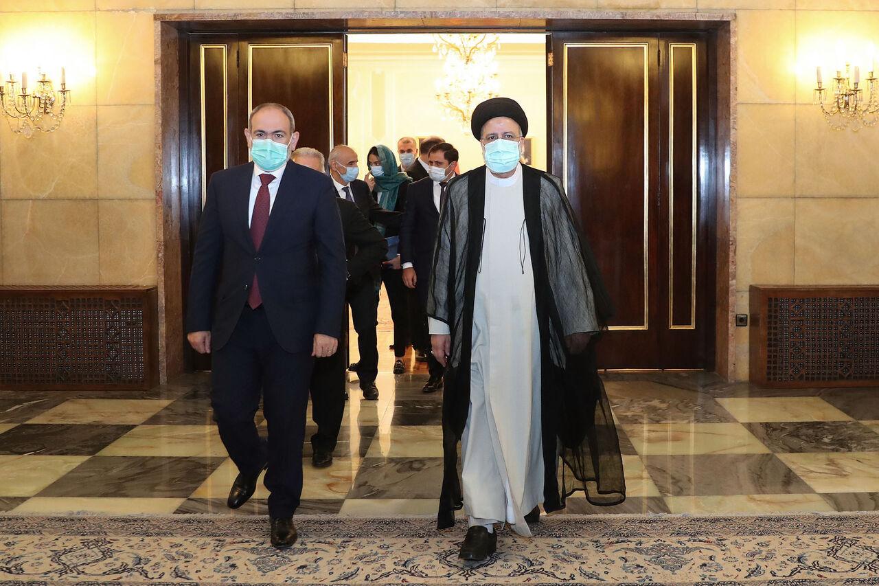 رئیس جمهور ایران روز ملی جمهوری ارمنستان را تبریک گفت