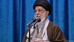 علی خامنهای آزربایجان را تهدید به خوردن سیلی کرد